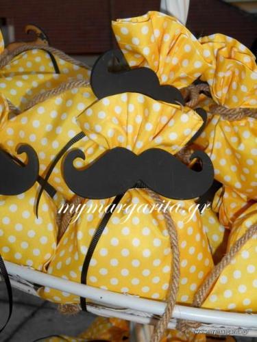 mr-moustache-gia-ton-mikro-spuro08